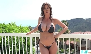 Stepmom alexis fawx uses stepson close to fulfill her prurient needs