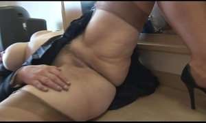 Prexy of age pamper cameltoe plus plump love tunnel show