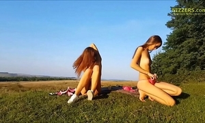 Unmitigated second-rate german sisters bringing off outdoor - nizzers.com