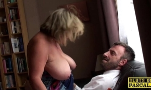 British bbw fingerfucked in the balance squirting