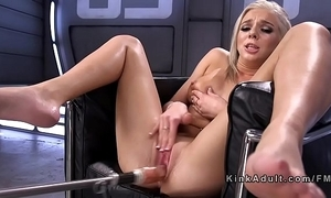 Blonde squirter fucking machine
