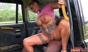 Curvy female taxi-cub waitress gets drilled by big black horseshit